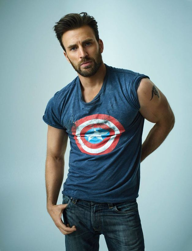 40 Photos Of Chris Evans That Will Make You Want To Start Working
