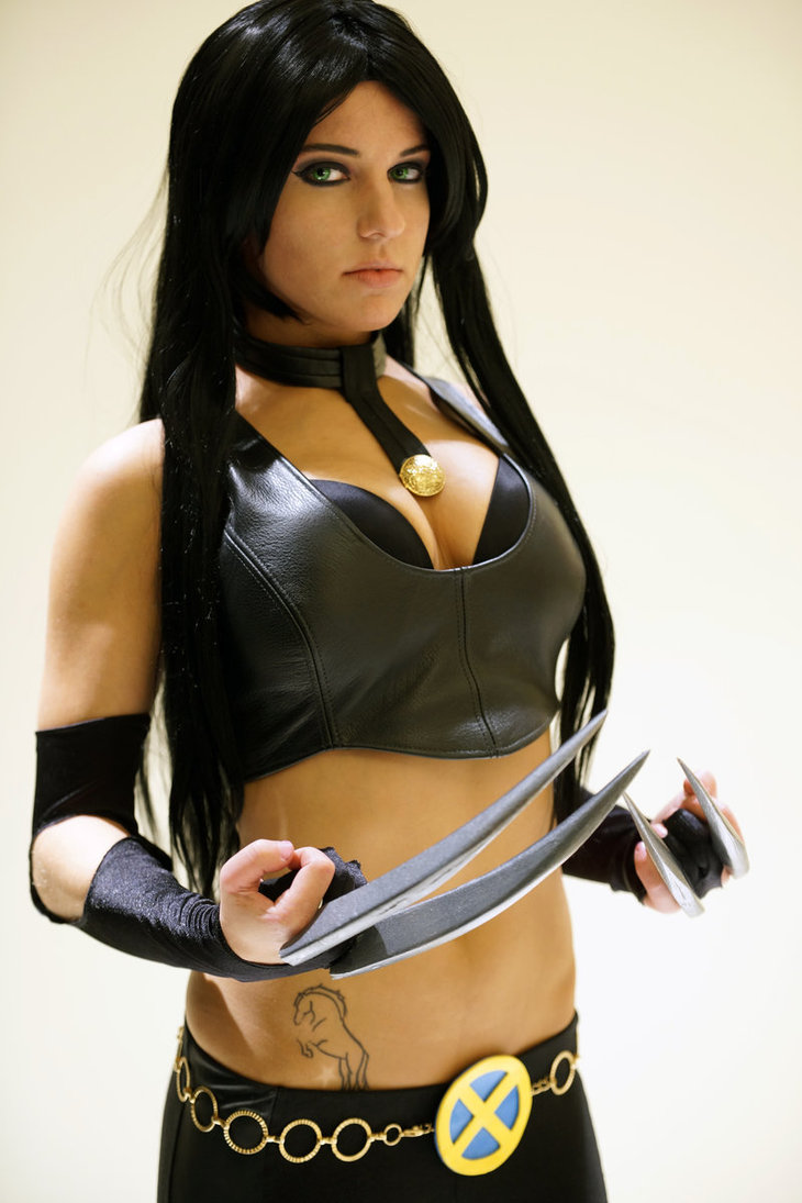 X-23 Cosplays Hot & Sexy Pictures