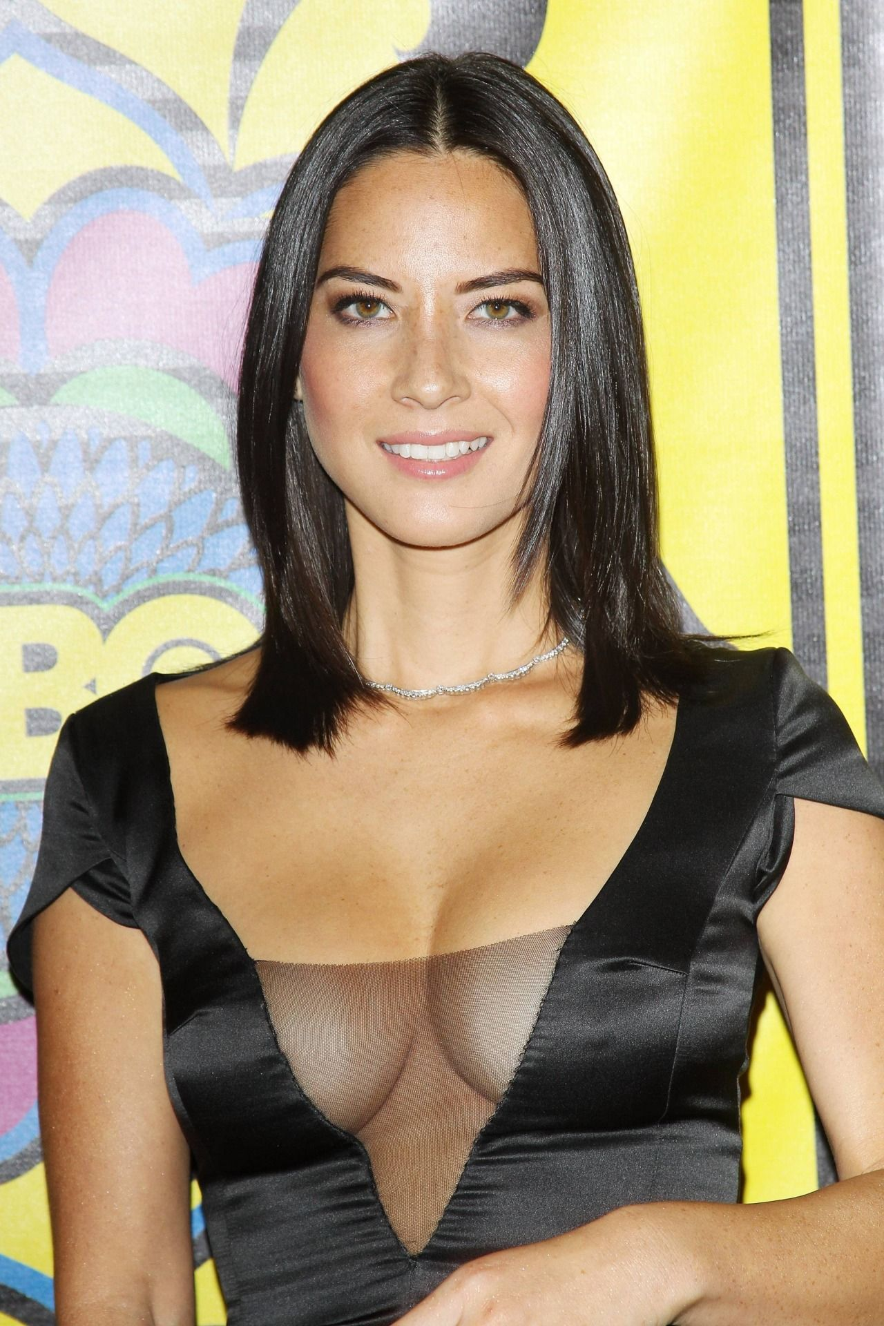 Olivia Munn Huge Cleavage