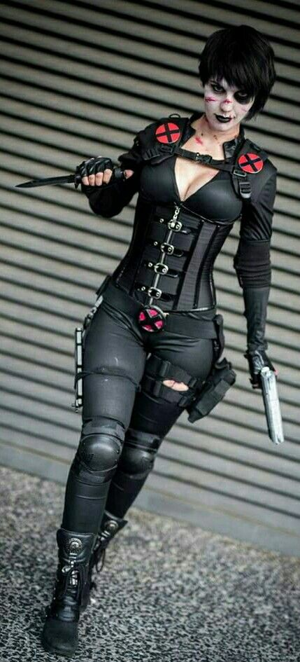 Domino Powerful Cosplay