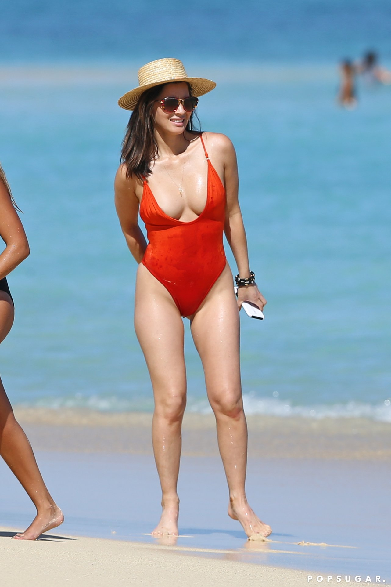 Olivia Munn Swimming Suit Hot