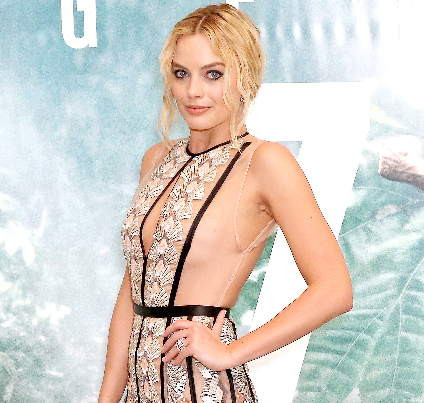 Margot Robbie hot dress