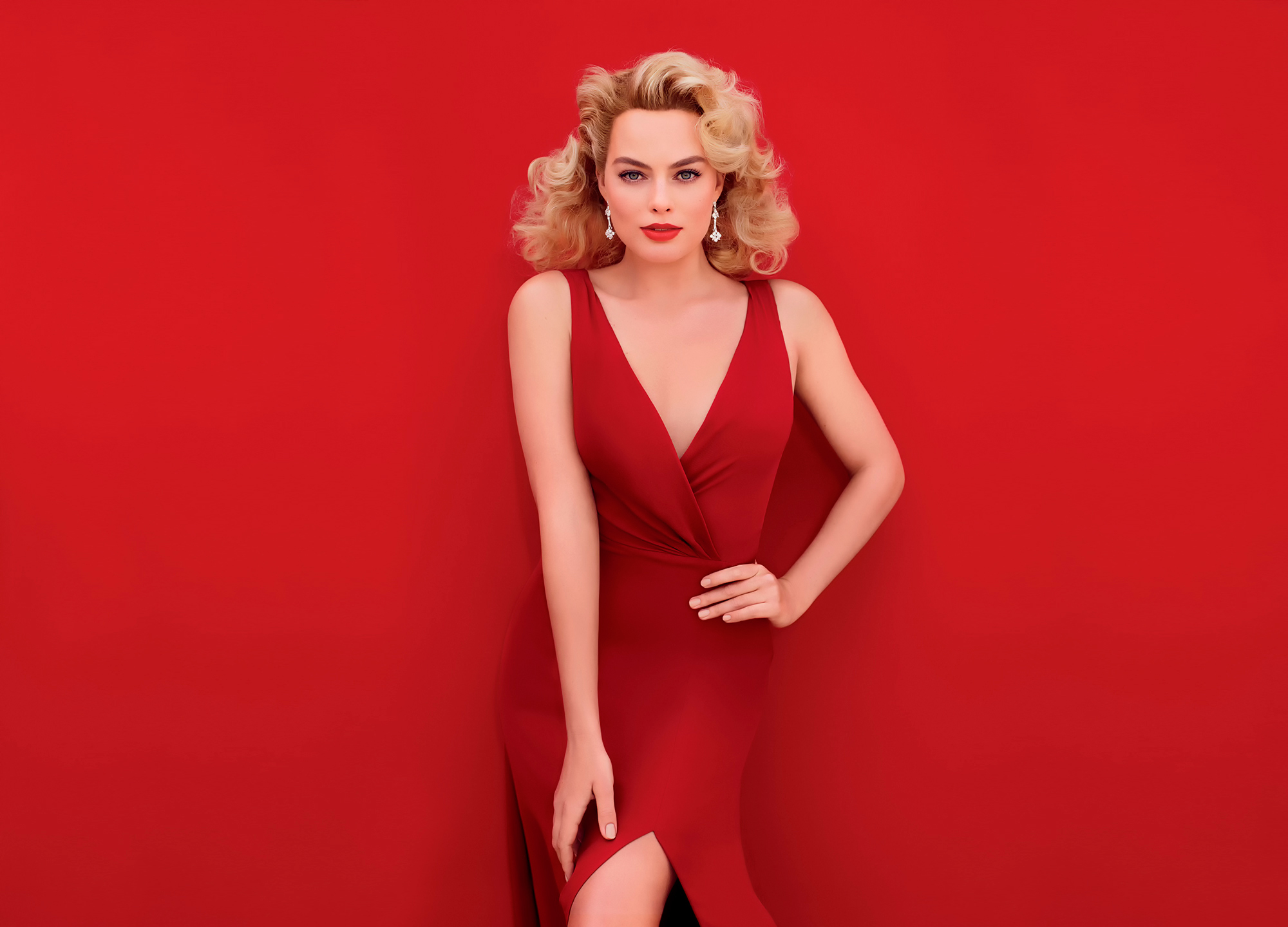 Margot Robbie Hot Red