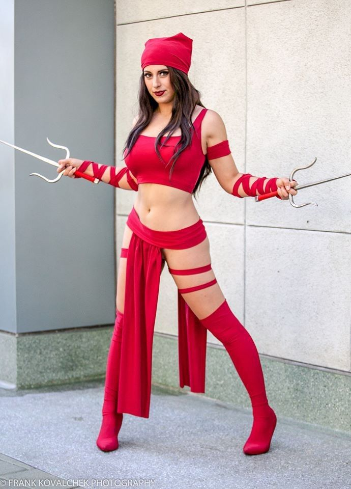 Elektra Cosplays Hot & Sexy Pictures