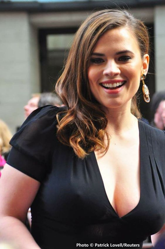 Hayley Atwell sexy dress