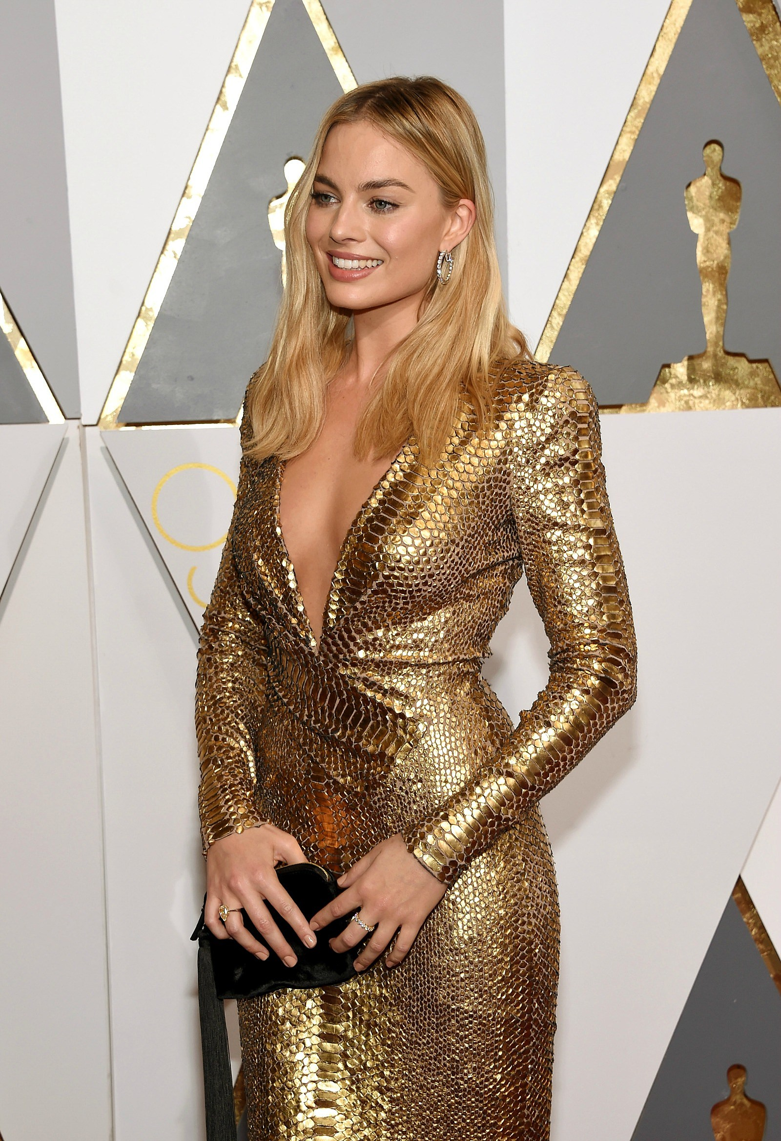 Margot Robbie golden