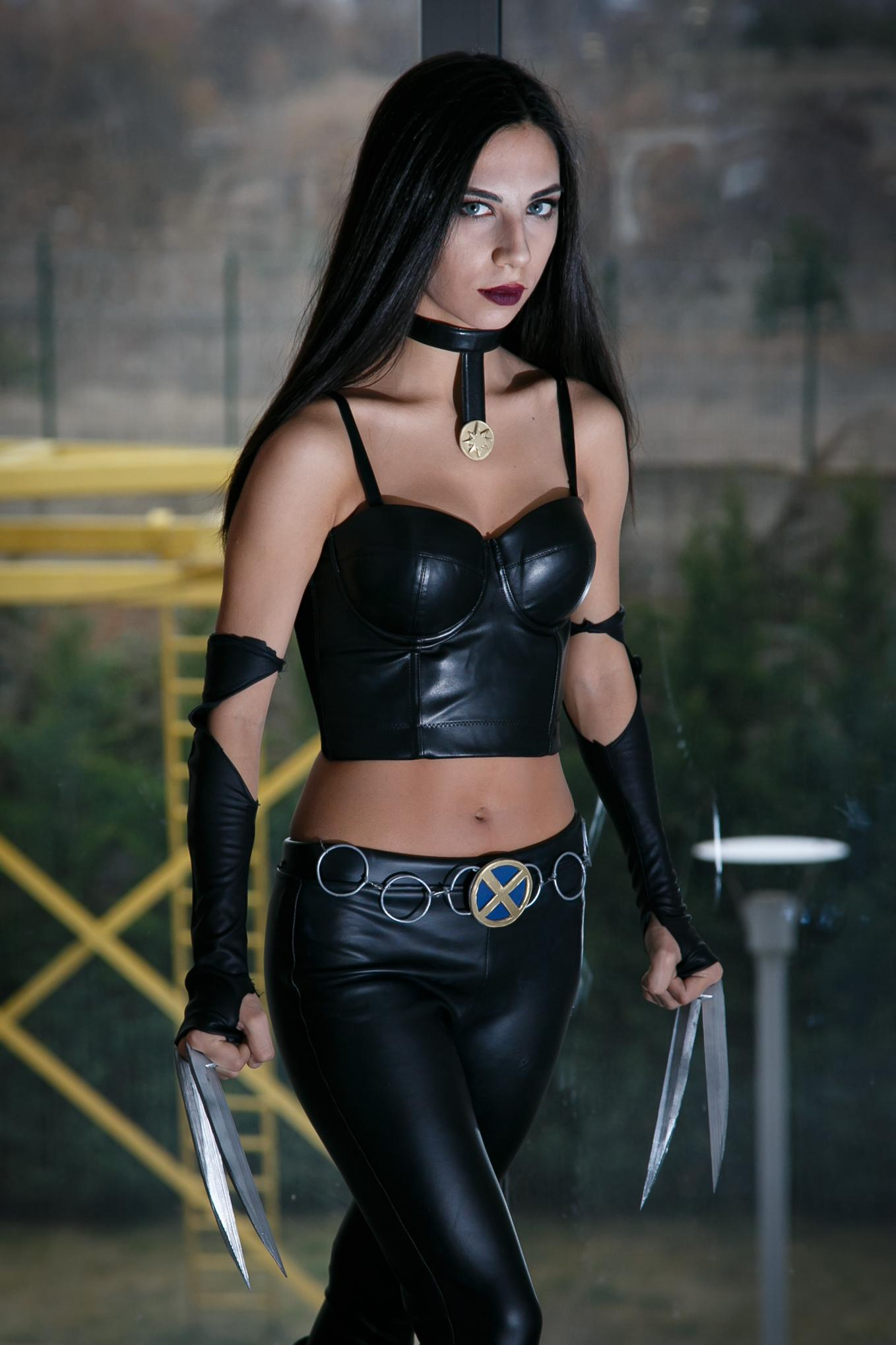 X-23 Cosplays Sexy