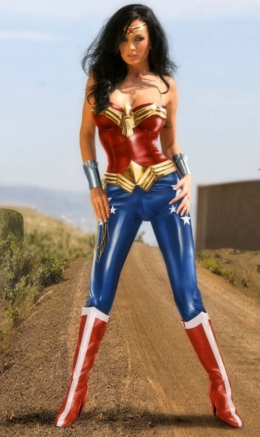 37 Hottest Wonder Woman Cosplays That Will Rob Your Hearts
