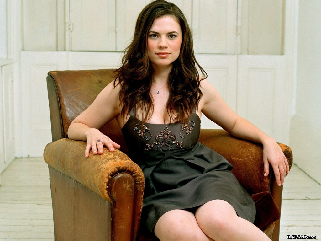 37 Hottest Hayley Atwell Bikini And Lingerie Pictures, Images And Gifs-4620