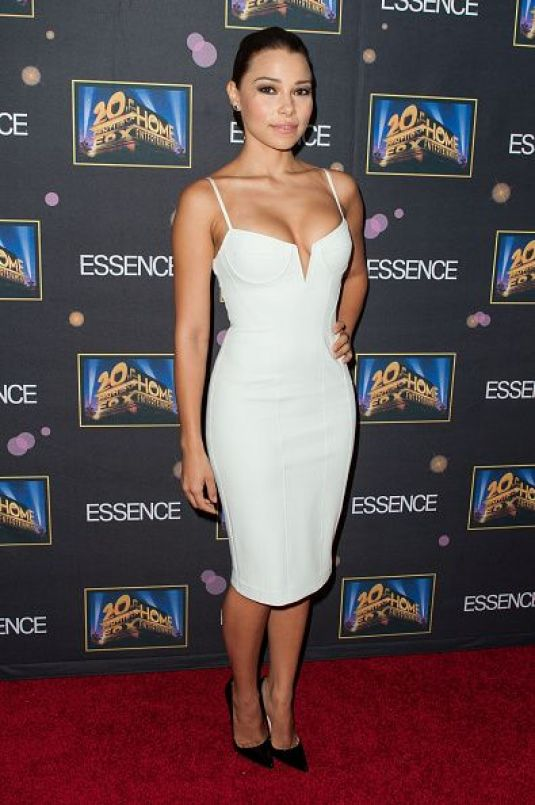 Jessica Parker Kennedy Hot Pictures