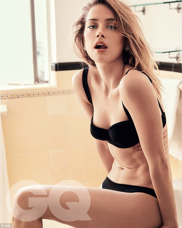 Amber Heard in Balck Bikini Pictures