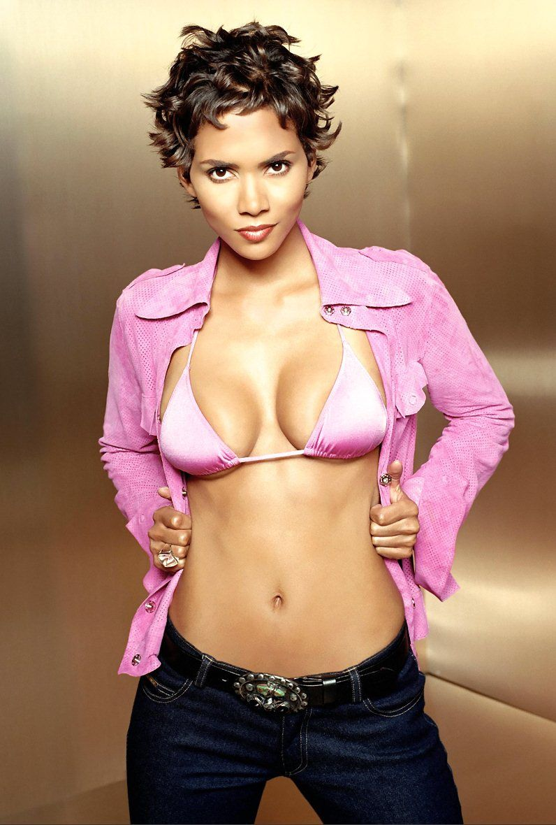 Halle Berry Sexy Pictures