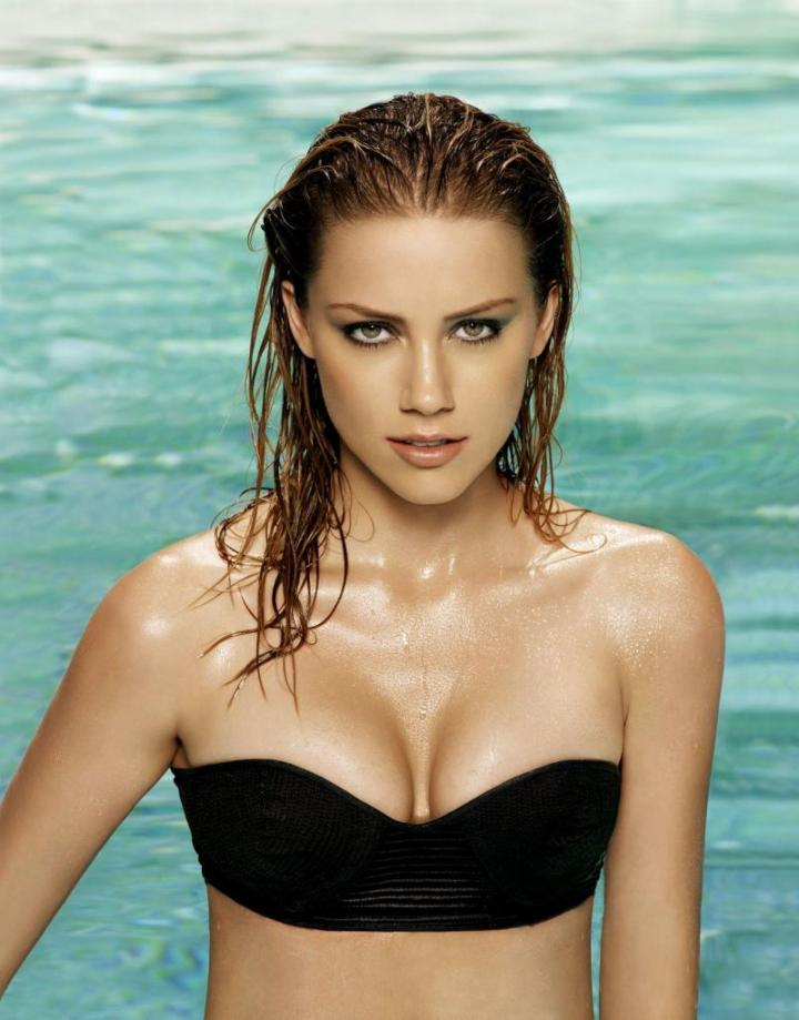 61 Hottest Amber Heard Bikini Pictures Of All Time.