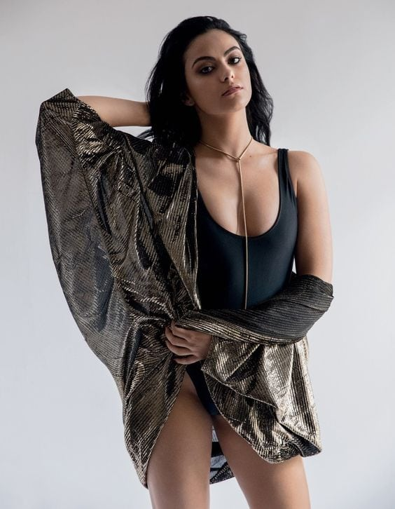 Camila Mendes Hot Pictures