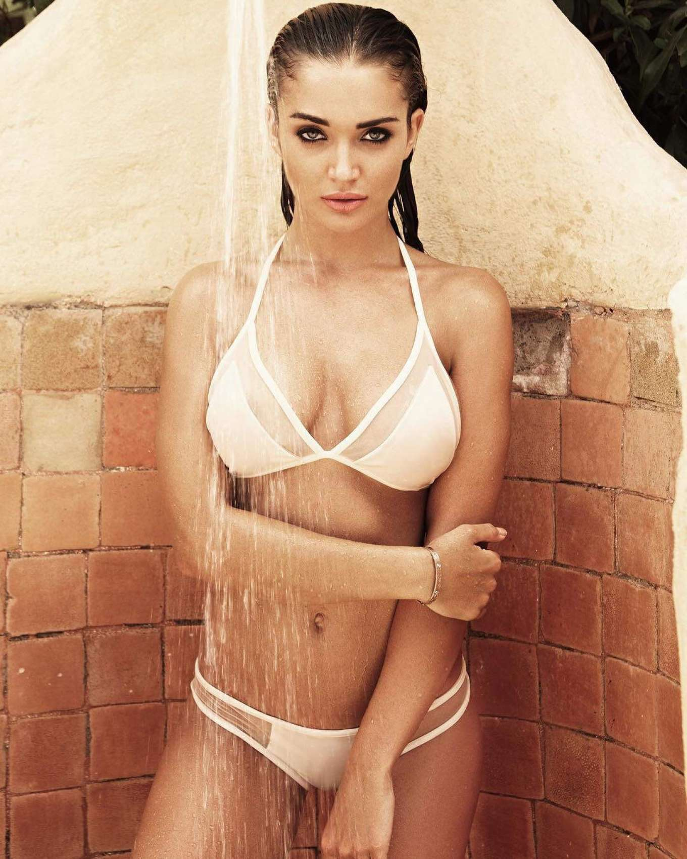 7a44aed8f2 43 Hot Pictures Of Amy Jackson - Saturn Girl In Supergirl TV Series