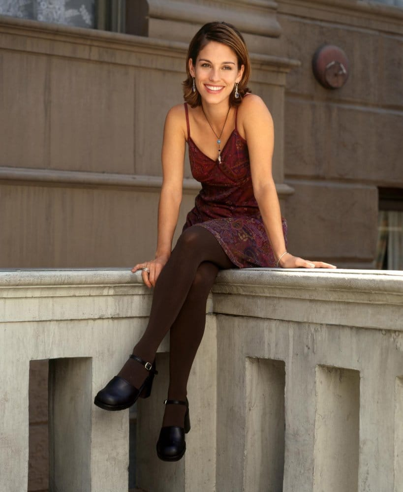Amy Jo Johnson Sex Video 37 hot pictures of amy jo johnson - the first pink ranger in