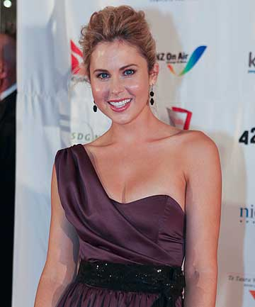 Anna Hutchison Hot