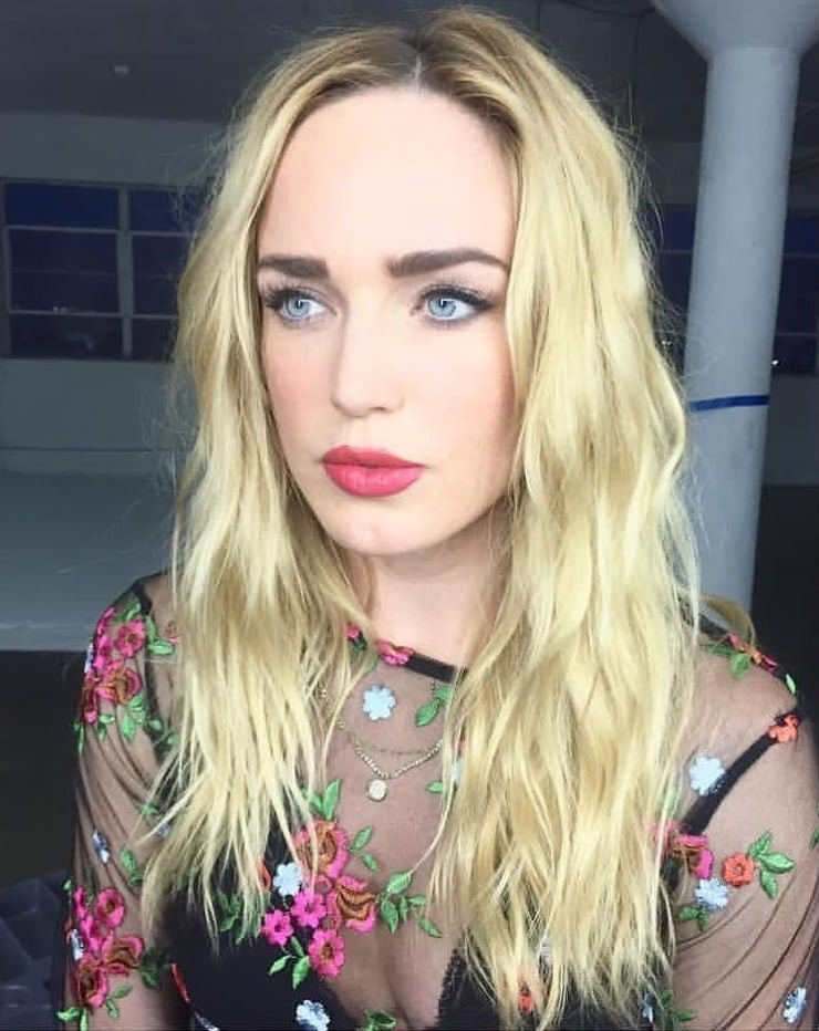 Caity Lotz Blonde Hair