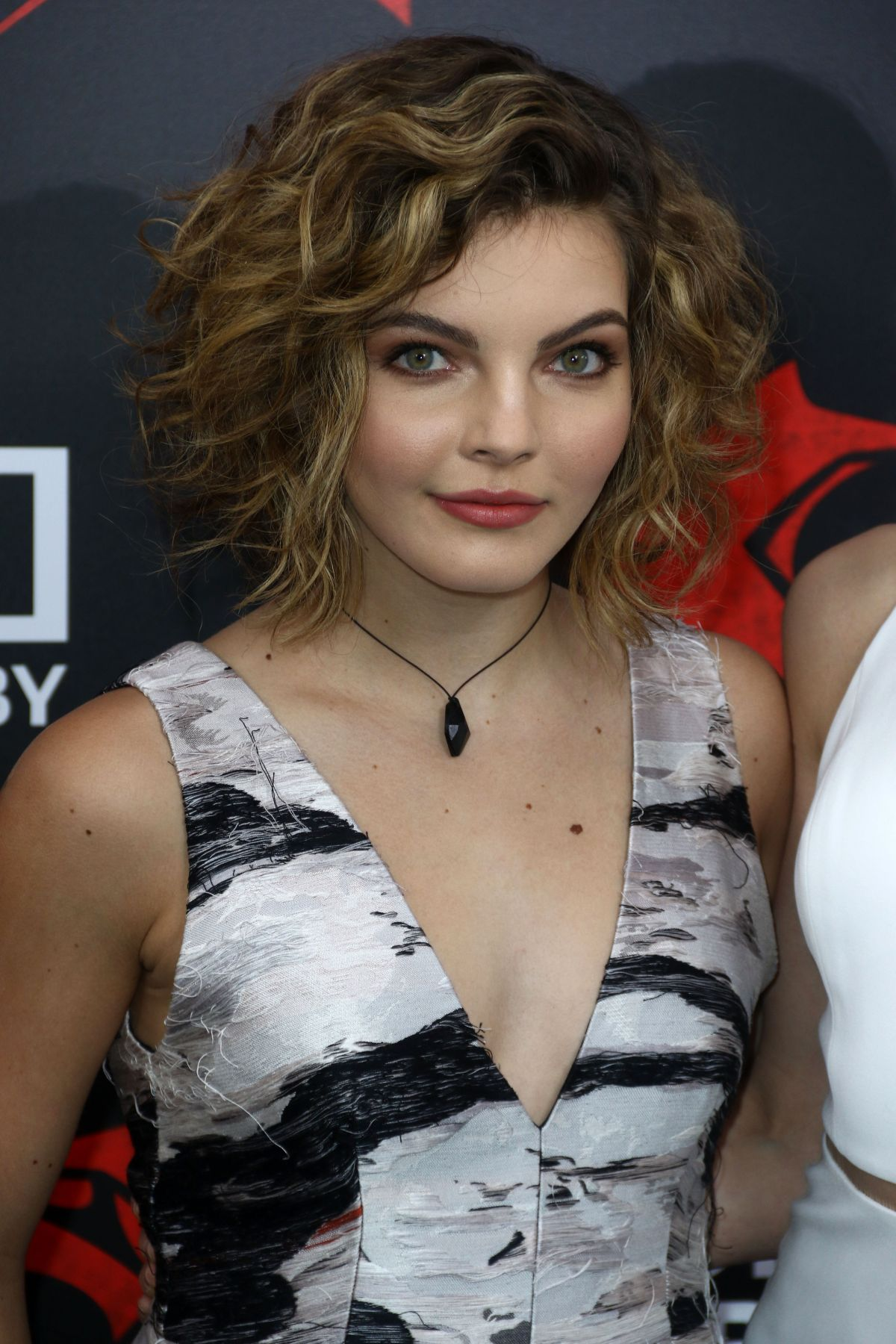 Camren Bicondova Cleavage