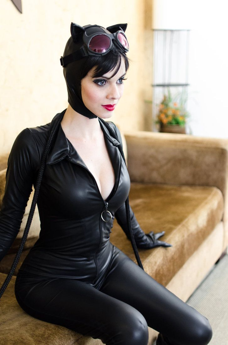 32 Hottest Catwoman Cosplays That Are Way Too Comic Book Accurate   Best Of Comic Books
