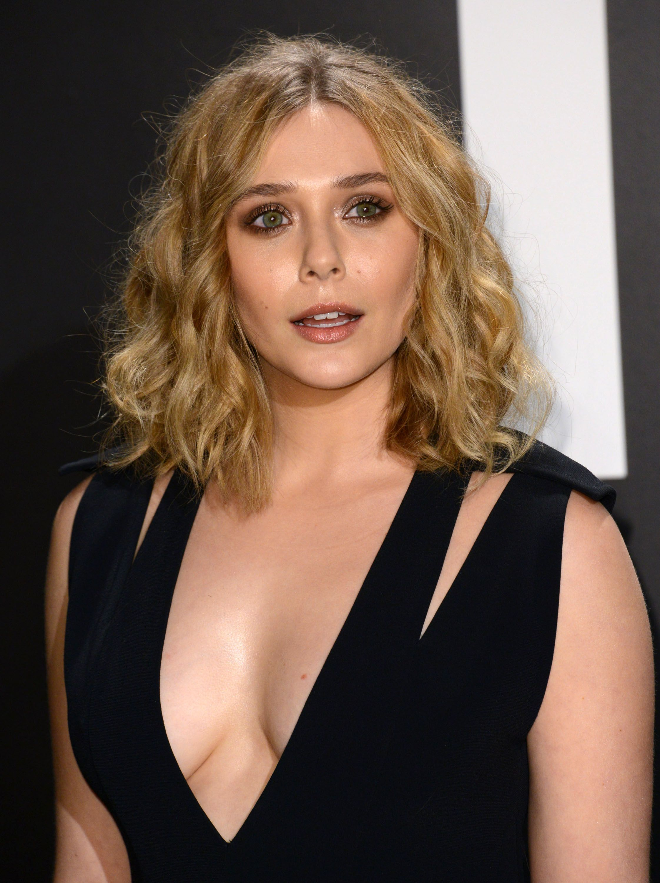 Elizabeth Olsen Hot Cleavage