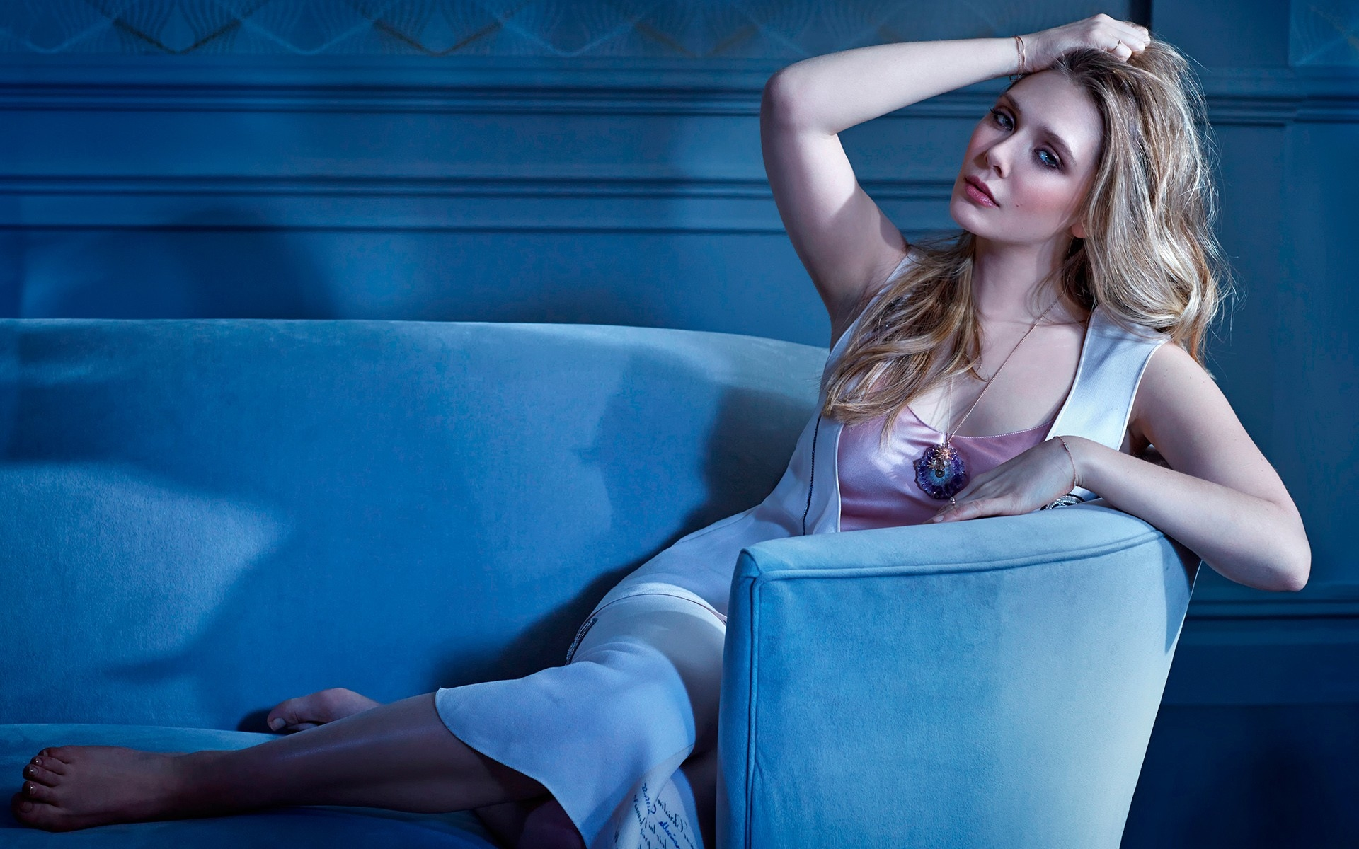 Elizabeth Olsen Hot Photoshoot