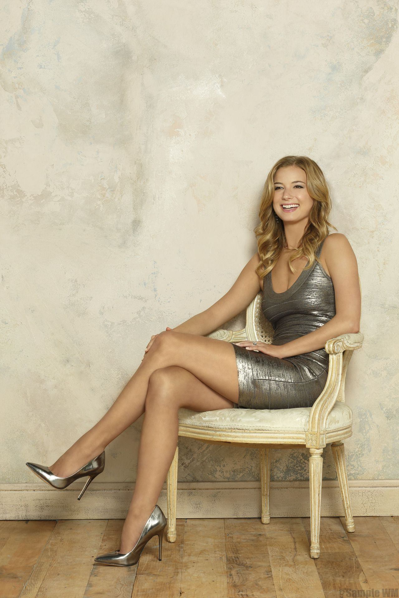 Emily VanCamp Hot Pictures