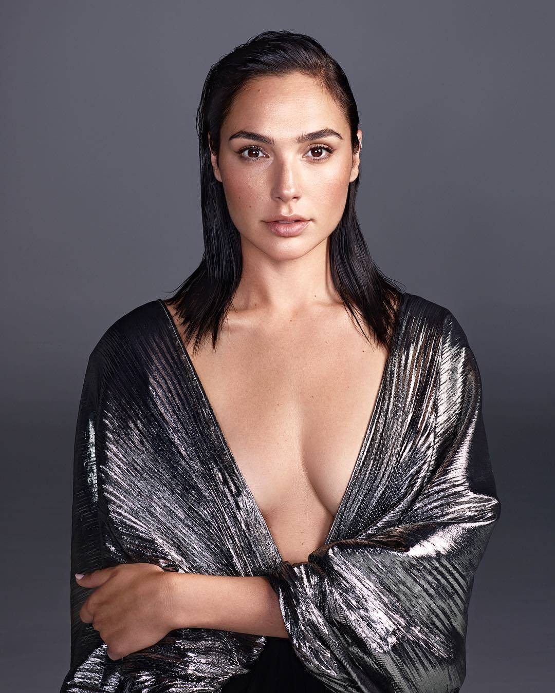 Gal Gadot Sexy Cleavage