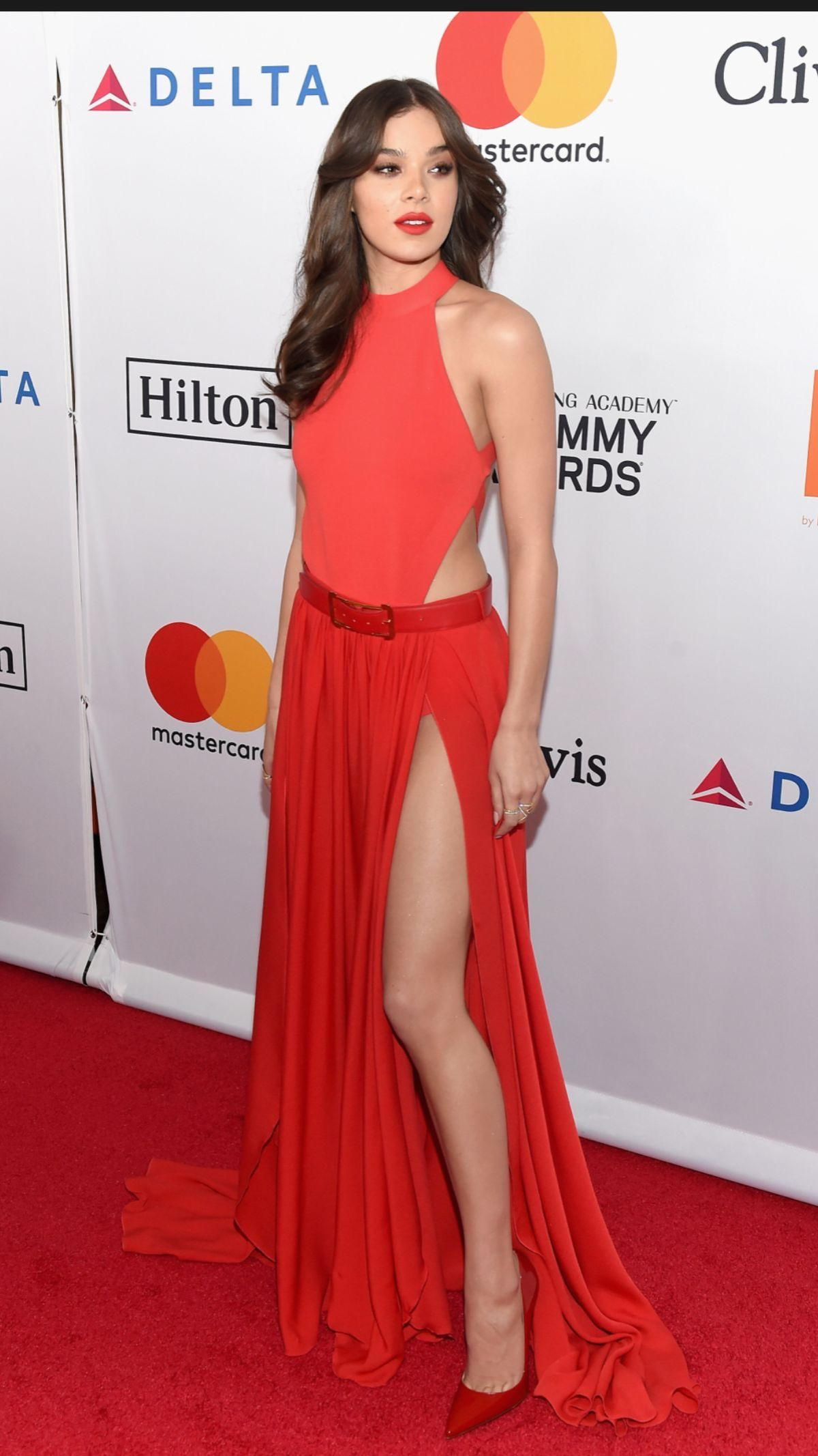 Hailee Steinfeld Sexy in Red Dress