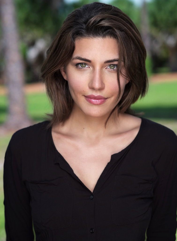 Juliana Harkavy Pretty