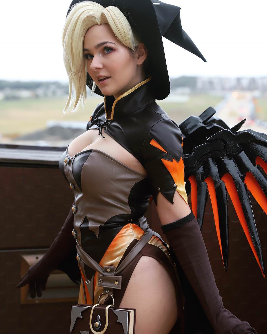 Mercy Beautiful Cosplay