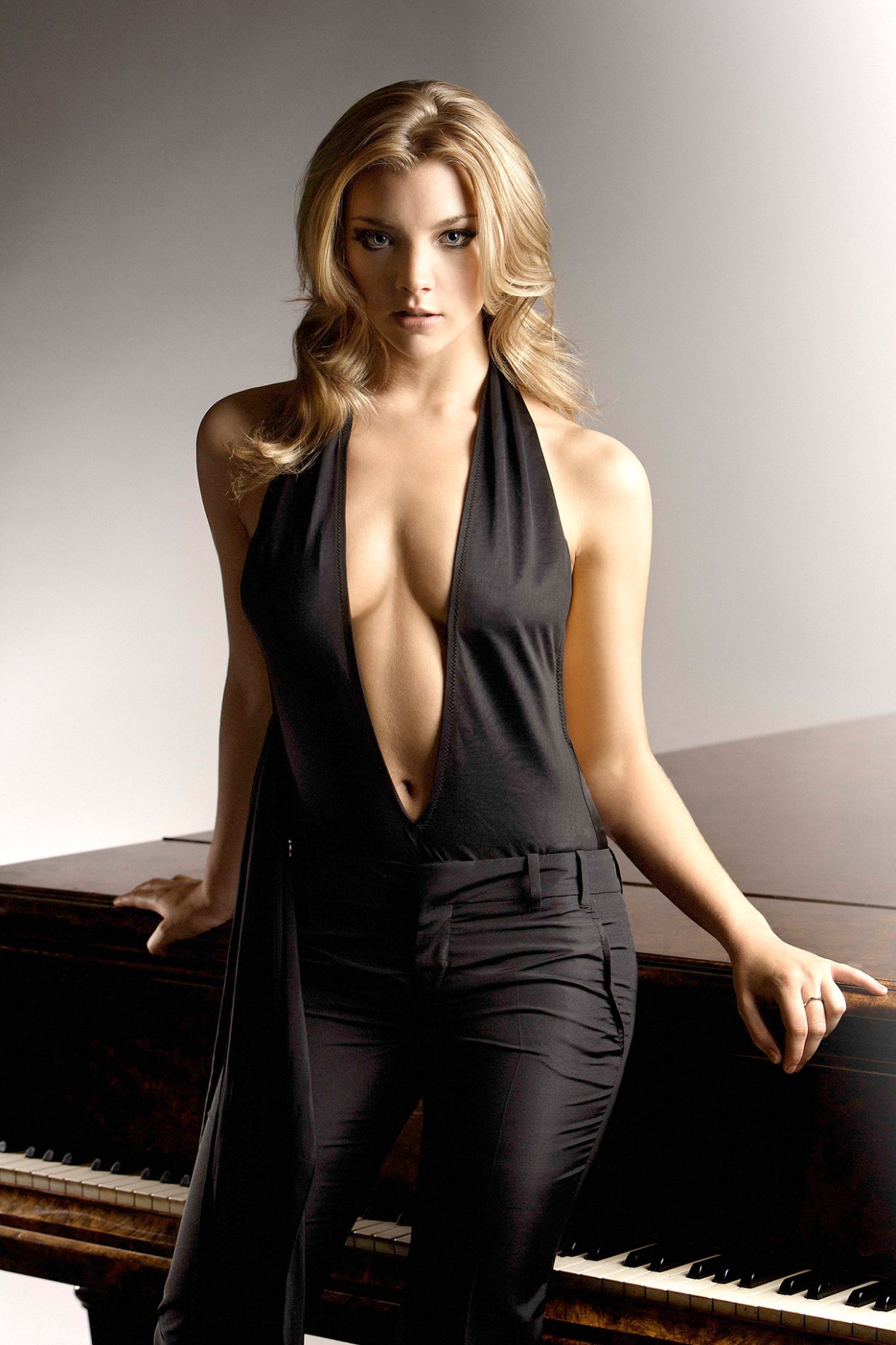 39 Hot Pictures Of Natalie Dormer Margaery Tyrell In Game Of Thrones