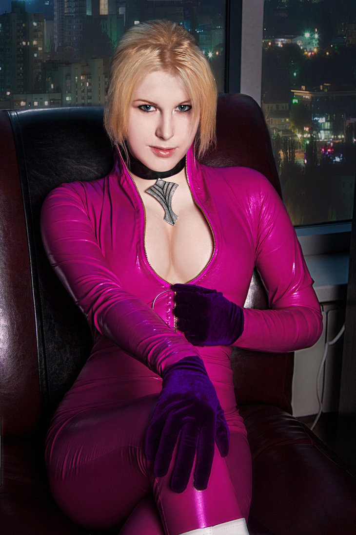 Nina Williams Cosplay Cleavage