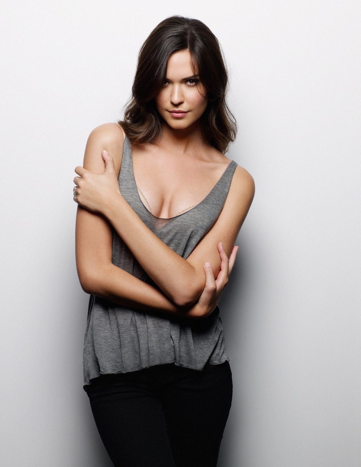 Cleavage Odette Annable