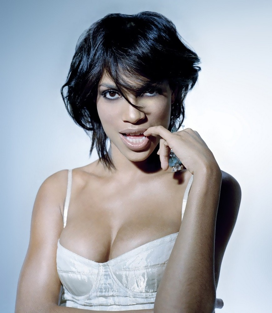 Rosario Dawson Hot Cleavage