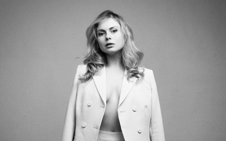 Rose McIver Sexy