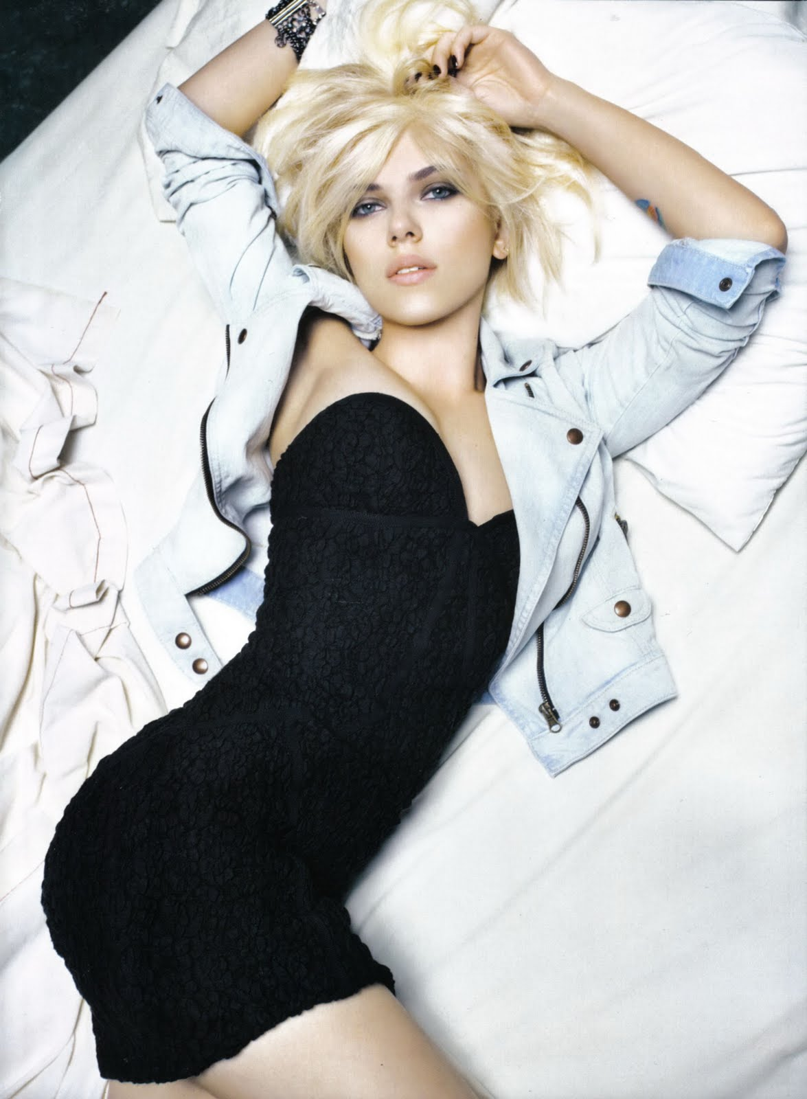 Scarlette Johansson Hot Photoshoot