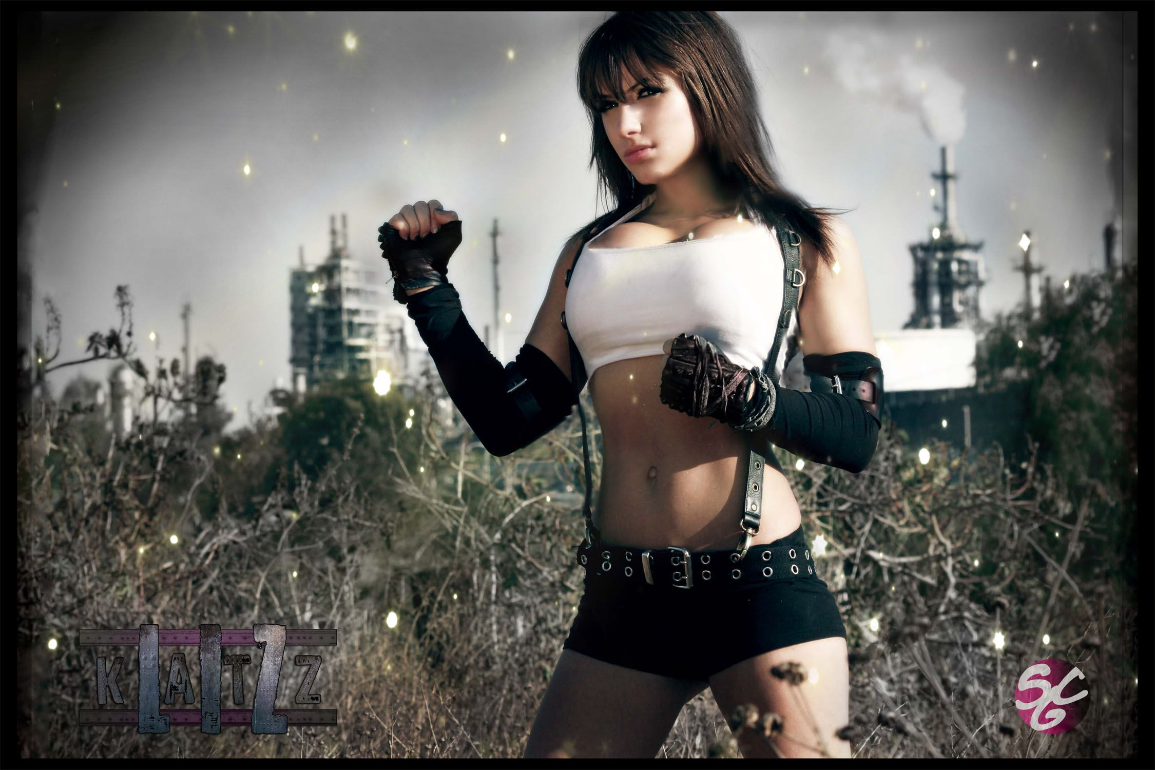 Tifa Lockhart Final Fantasy Cosplay
