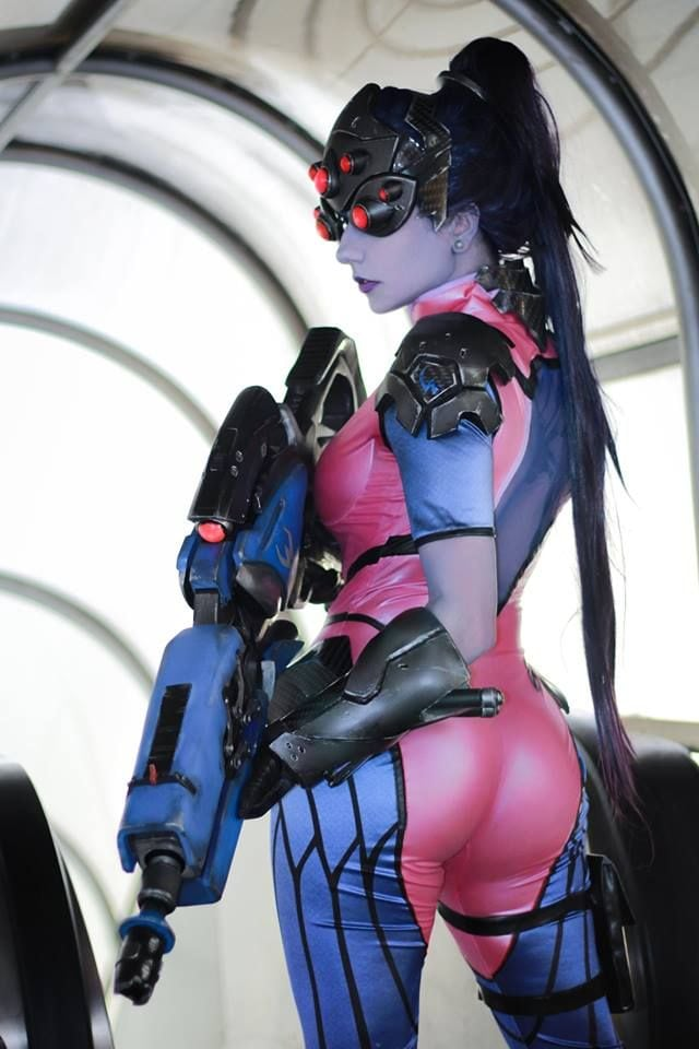 Widowmaker Hottie