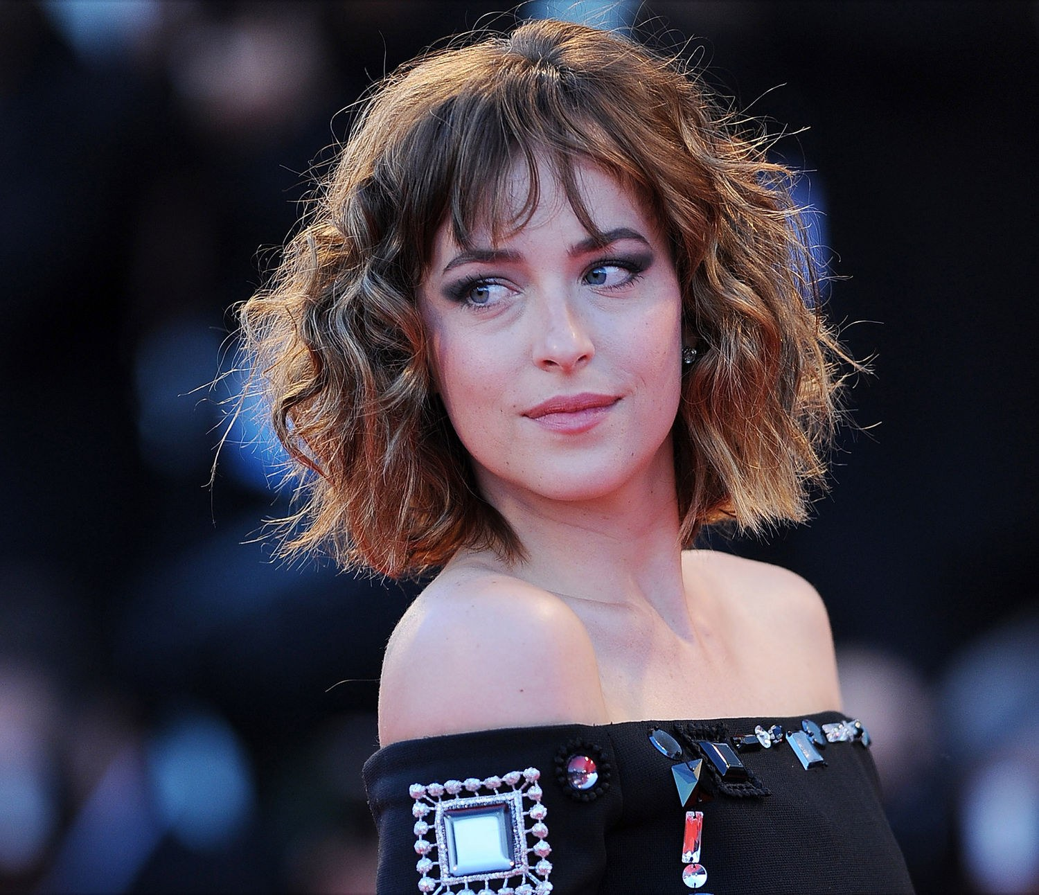 dakota johnson hair colour