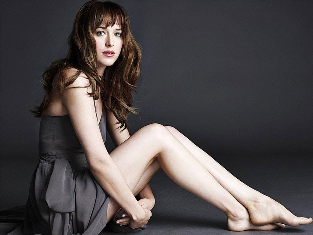 dakota johnson legs
