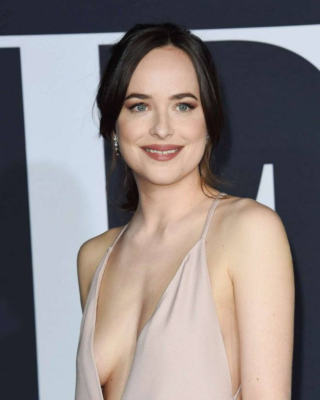 dakota johnson smiling face