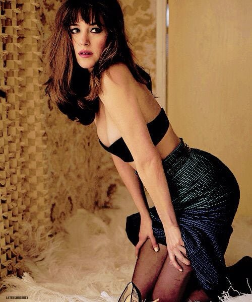 dakota johnson too hot