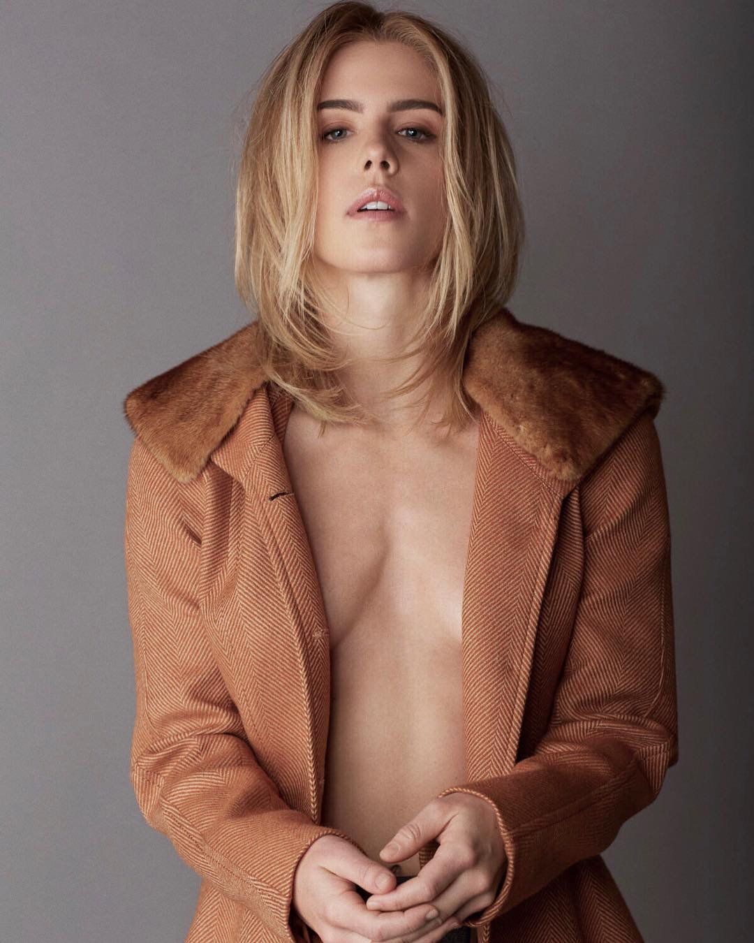 Hot Emily Bett Rickards nudes (59 foto and video), Topless, Paparazzi, Instagram, cameltoe 2015