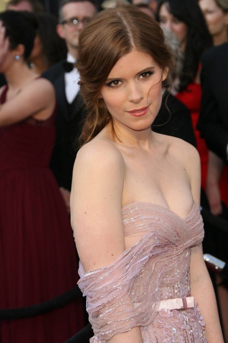 kate mara sexy look