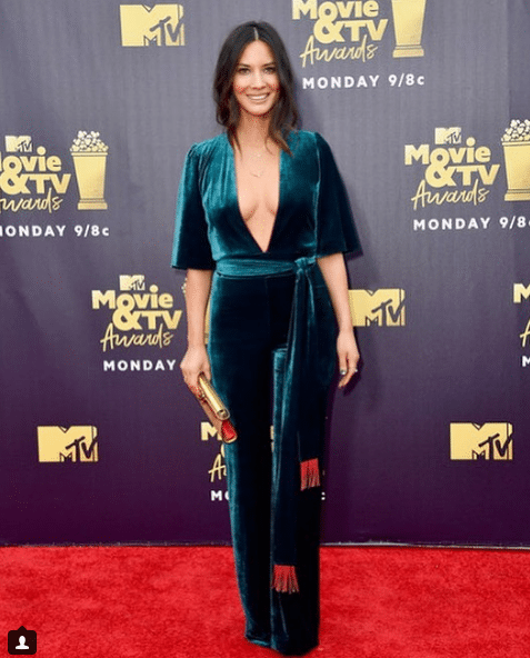 olivia munn red carpet