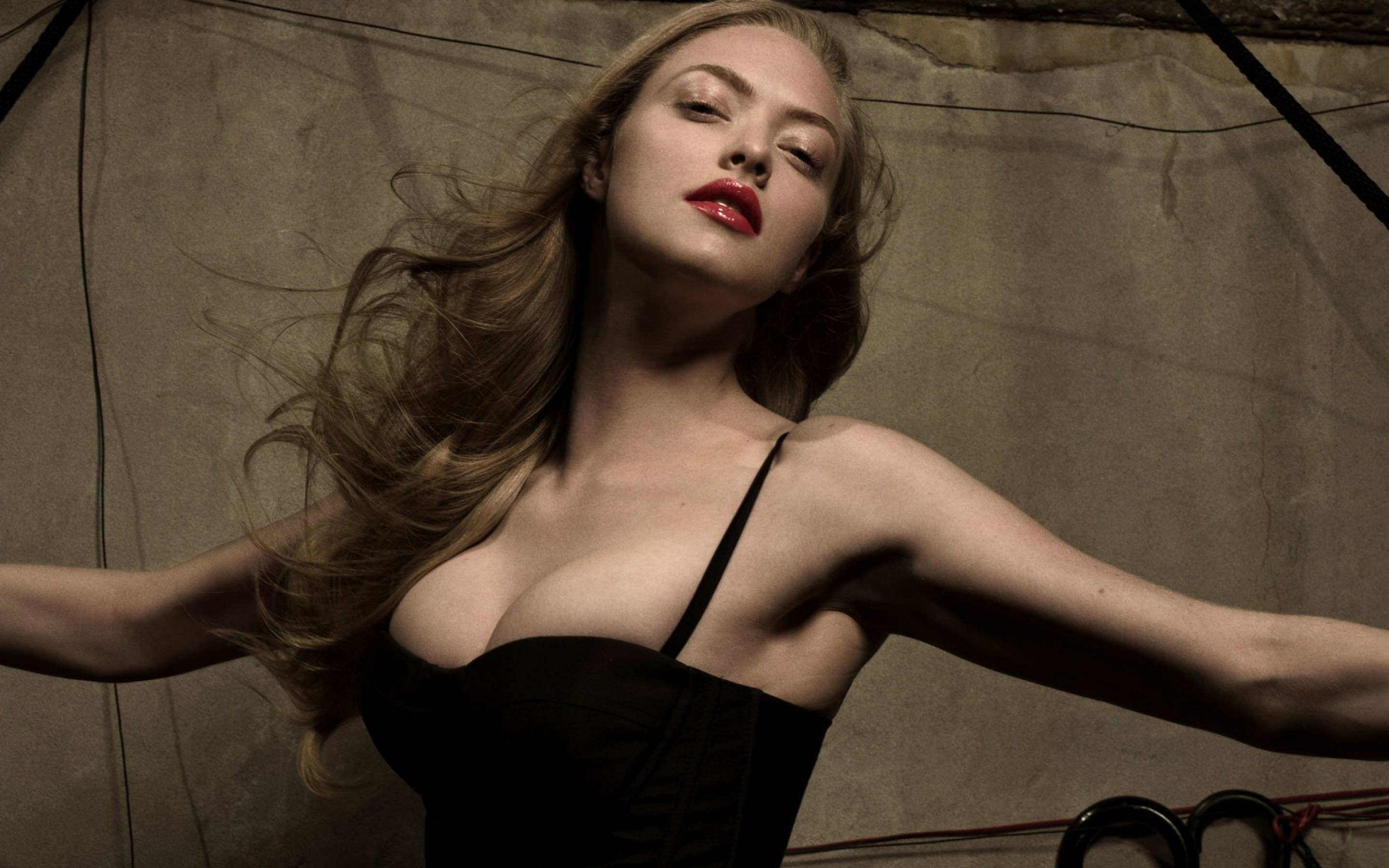 Amanda Seyfried Sexy Pictures