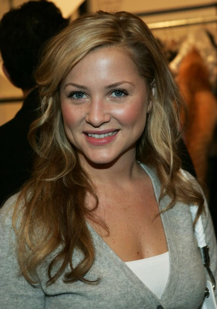 Jessica Capshaw on Smile