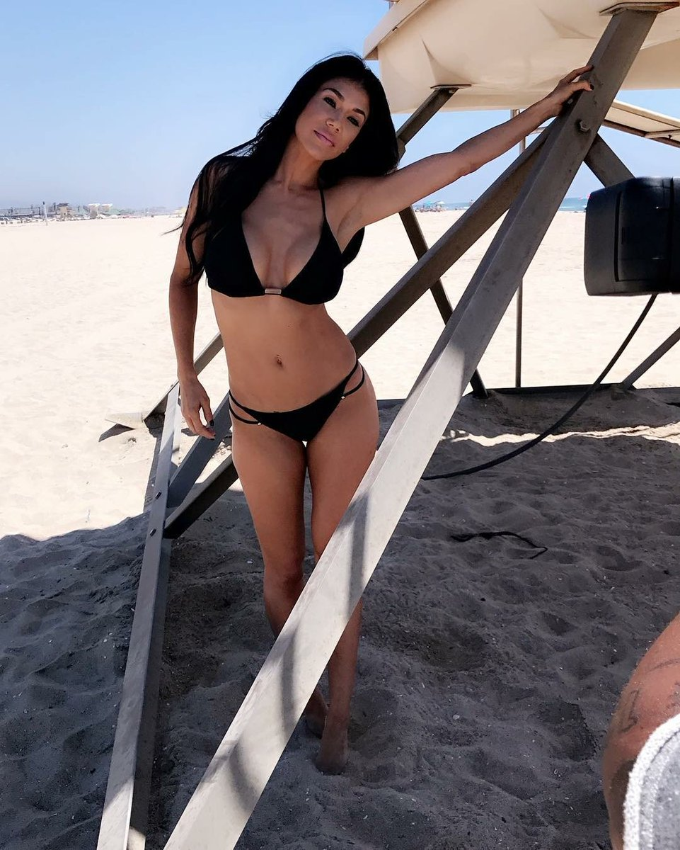 Rosa Mendes on Beach