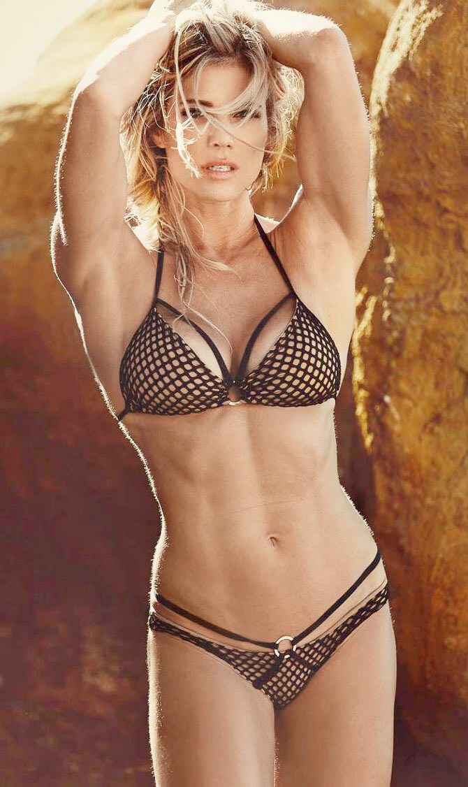 38 Hottest Torrie Wilson Bikini Pictures Will Make You -3522